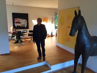 Frank Bolink in seinem Haus (Foto: © 2017 Wolfgang Weßling)
